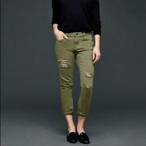 NWT Gap Distressed Girlfriend jeans in olibe green